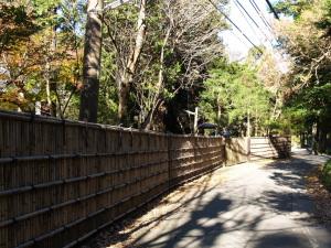 竹を編んだ浄智寺の塀