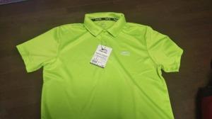 半袖ポロシャツ 吸汗速乾機能  黄緑は山の中で良く目立つ色です。780円。